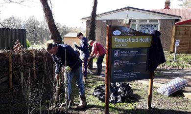 New hedge planted at Heath Road Car-park